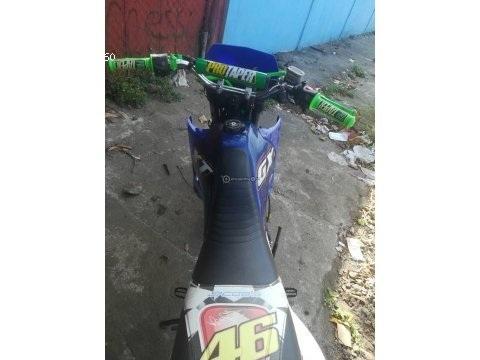 Motocicleta Génesis Gxt 200