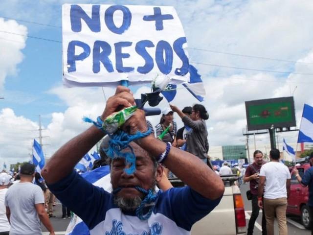 Sob pressão de empresários, Ortega aceita negociar com oposição da Nicarágua pela primeira vez