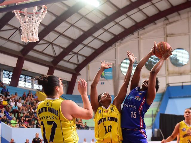 Fotos da final de basquete feminino Santo André x Campinas