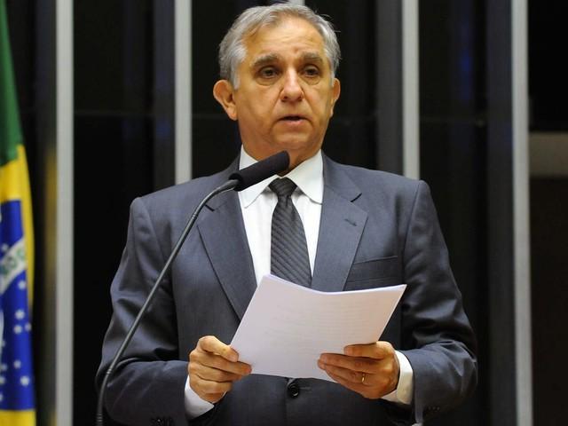 'Não abro mão', diz Izalci sobre candidatura após coligação fazer troca por Rosso para governar DF