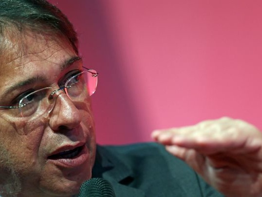 Presidente da Eletrobras afirma que governo manterá fatia 'importante'
