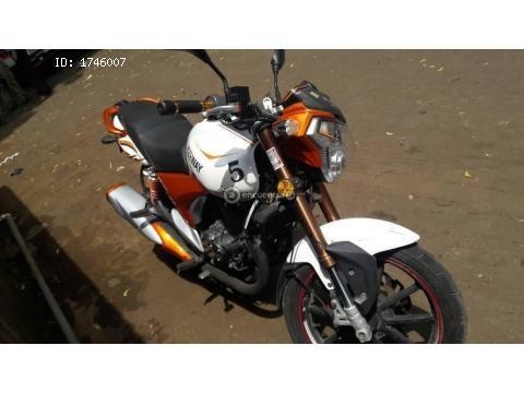 Moto Keeway RKV 200