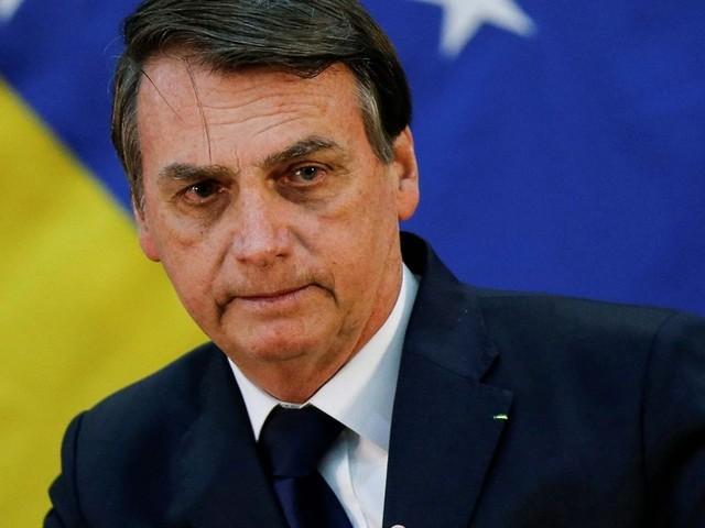 """Bolsonaro diz que vai cortar """"merreca"""" de R$ 2,5 bi do orçamento"""