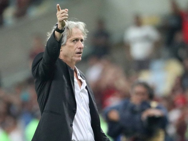 Fé em Jesus: Flamengo aposta no trabalho do técnico para manter-se na ponta após desfalques