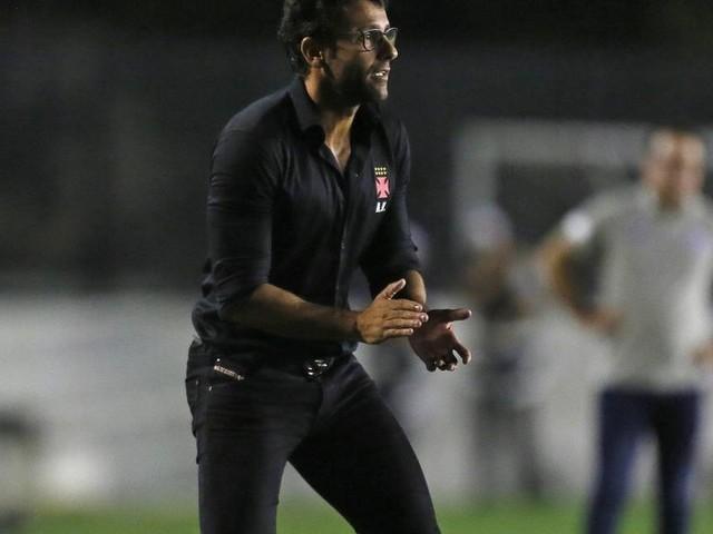 Valentim comemora primeira vitória no Vasco: 'Era primordial'