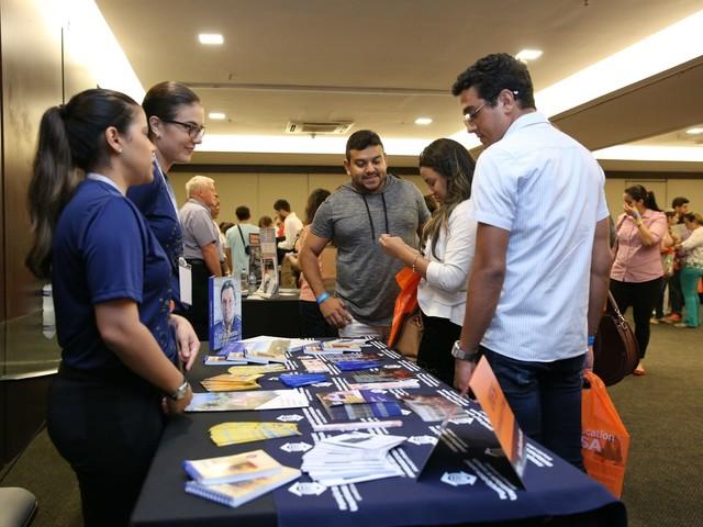 Atividades gratuitas para quem quer fazer intercâmbio acontecem em Santos, SP
