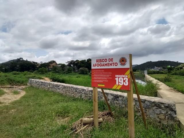 Jovem morre afogado no Parque Linear, em Camboriú