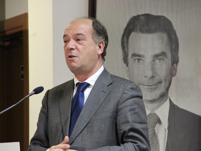 """Vice do PSD: Revelação de Pacheco Pereira sobre intenção de Santana em criar novo partido """"é um acto de desespero"""""""
