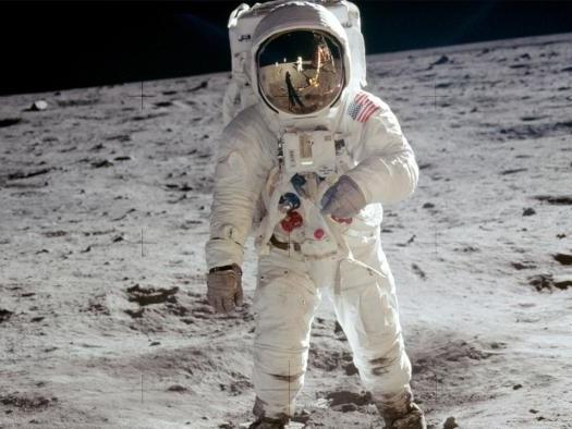 Desmitificando a teoria conspiratória sobre a farsa do pouso do homem na Lua