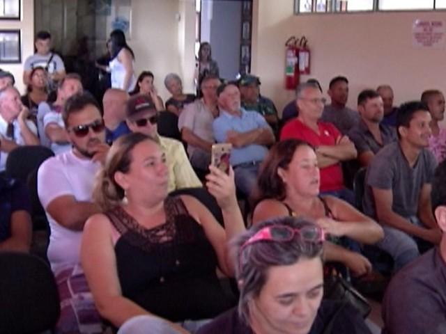 Câmara de Biritiba Mirim cria Comissão Processante para apurar novo vídeo em que prefeito afastado entrega dinheiro a vereador