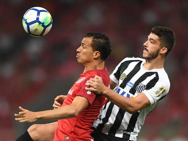 Damião e Gabigol marcam, e Internacional empata com o Santos