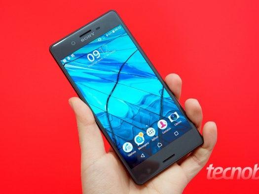 """Sony vai descontinuar linha de smartphones """"quase topo de linha"""""""