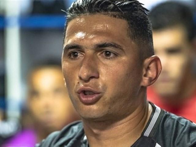 Vasco estuda contratação de lateral-esquerdo Danilo Barcelos, da Ponte Preta
