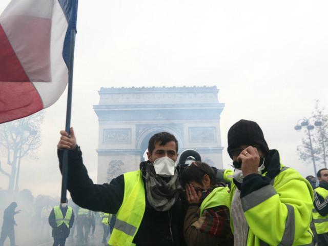 """Revolta dos """"coletes amarelos"""" já causou prejuízos superiores a mil milhões de euros"""