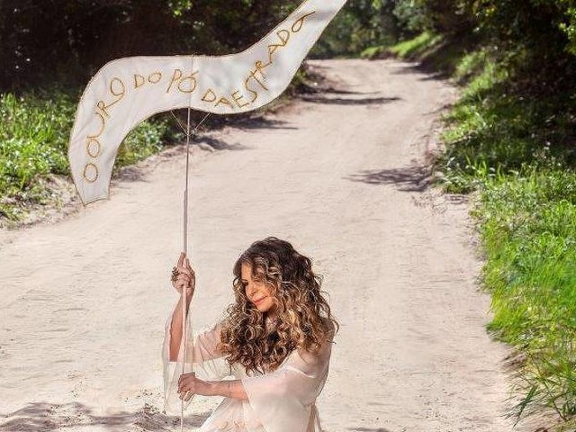 Elba Ramalho canta amores e dores da estrada em novo 'O Ouro do Pó da Estrada'