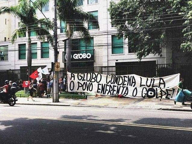 Movimentos ocupam a sede da Globo