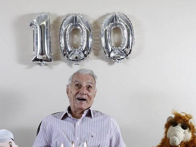 Os 100 anos do ator Orlando Drummond, o Seu Peru da 'Escolinha', são contados em livro