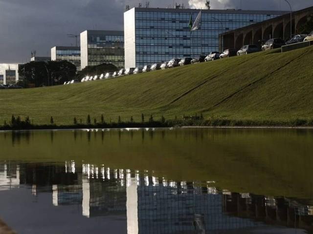 Governo poderá firmar contratos para incentivar órgãos públicos a cumprir metas de desempenho