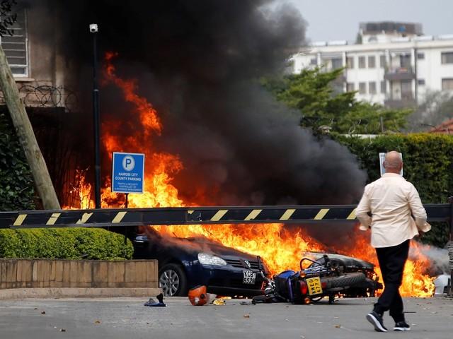 Polícia identifica terrorista suicida de ataque com 21 mortos no Quênia