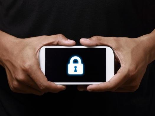 Crimonosos estão roubando dados de celulares ao trocaram telas quebradas