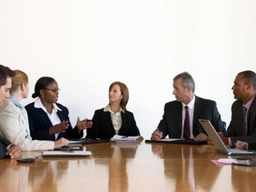 Decisões judiciais sobre empresas devem ser divulgadas na internet, diz Comissão