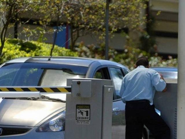 Justiça decide manter suspensão de Lei sobre sistema de créditos em estacionamentos