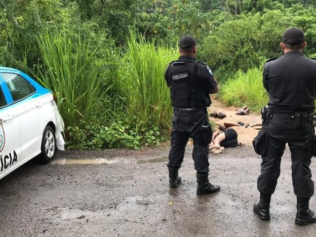 Ao menos nove pessoas foram mortas em duas chacinas em Nova Iguaçu nesta quarta
