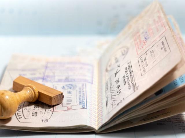 Os passaportes mais poderosos do mundo em 2021: Brasil perdeu uma posição!