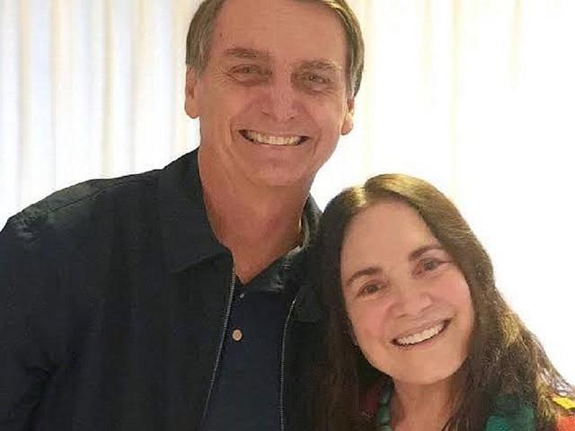 Regina Duarte é convidada para substituir Roberto Alvim