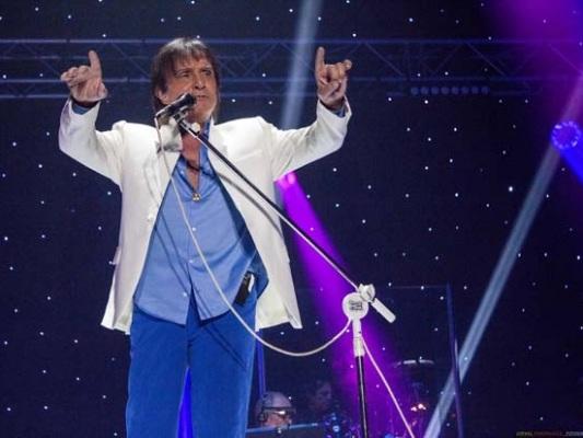 Roberto Carlos foi Música, Palavra e Amor no Meo Arena