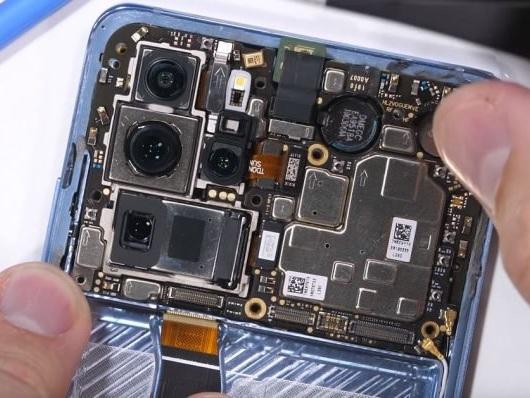 Desmonte do Huawei P30 Pro mostra como funciona a câmera de periscópio