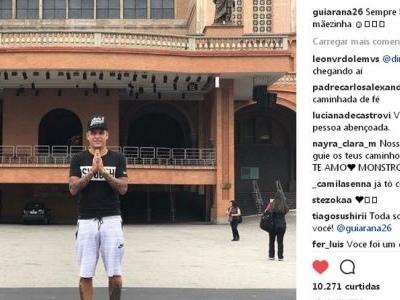 Agora como campeão, lateral do Corinthians visita santuário de Aparecida