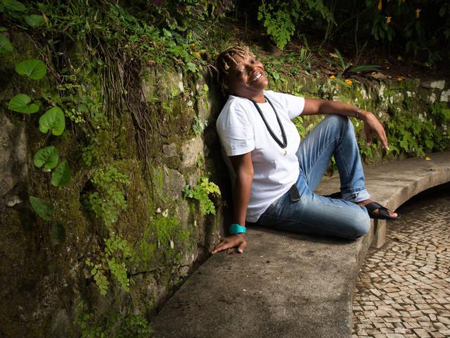 Mart'nália grava Vinicius de Moraes em disco que tem duetos com Carla Bruni e Maria Bethânia