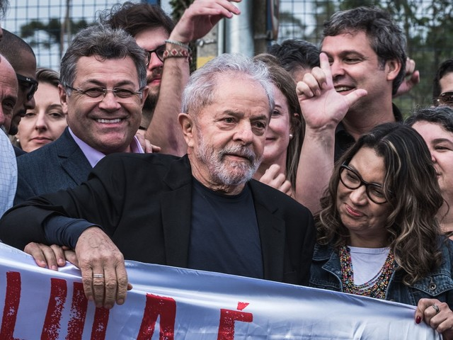 Lula chama ação contra seu filho de 'pirotecnia de procuradores viciados em holofotes'