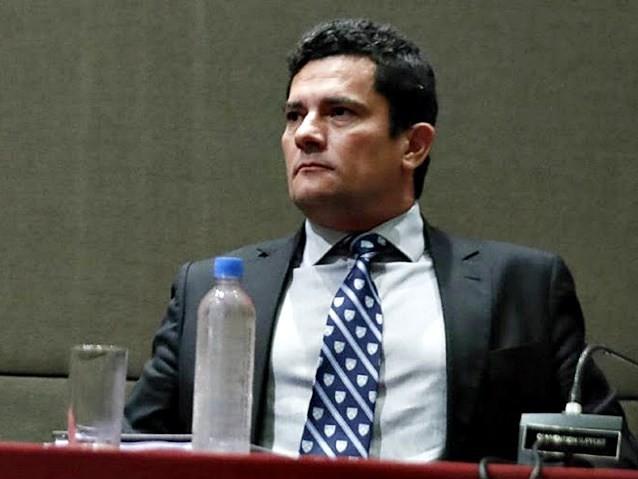Juíza devolve processo de Beto Richa a Sérgio Moro