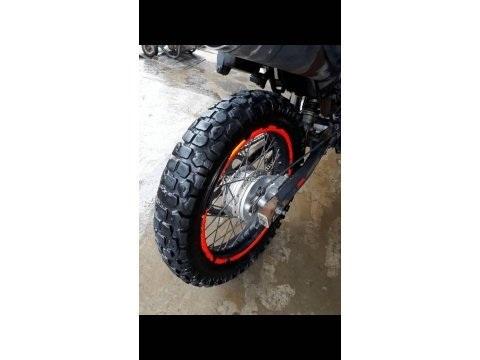 Vendo linda moto Raybar 200