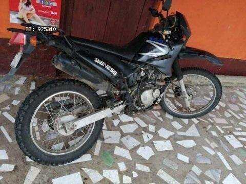 Ganga preciosa moto genesis gxt 200 año 2012