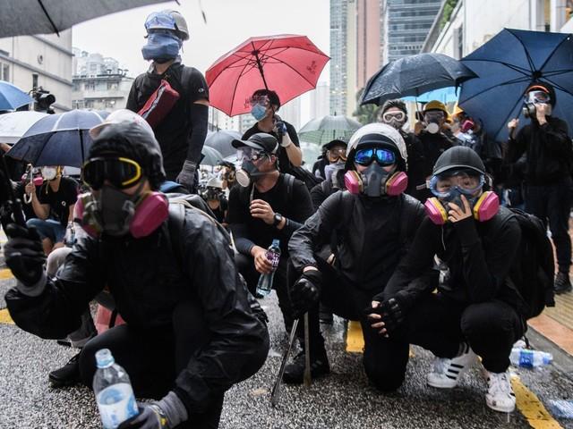 Ativistas pró-democracia são detidos em Hong Kong