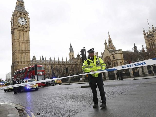 Pequena explosão em estação de metro em Londres provoca feridos ligeiros