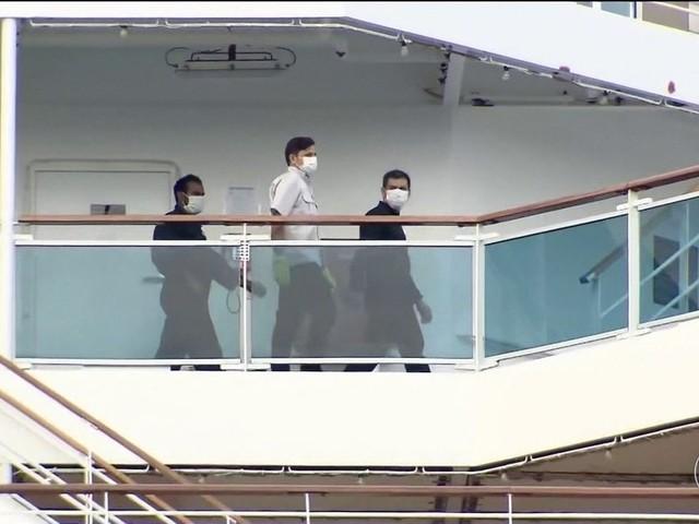 Mais de 700 tripulantes de um navio atracado no Porto de Santos estão em quarentena