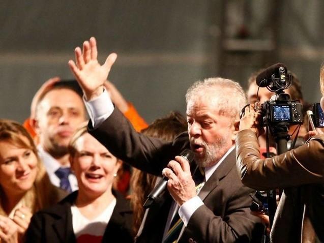 O problema do Brasil é o golpe, diz Lula