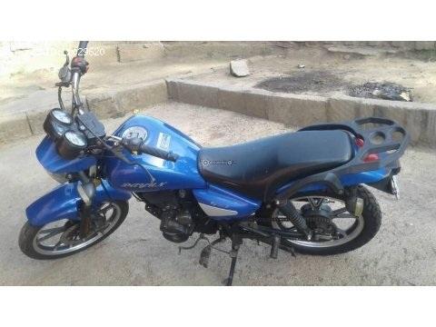 Se vende moto dayun 125cc llamar al 76013593