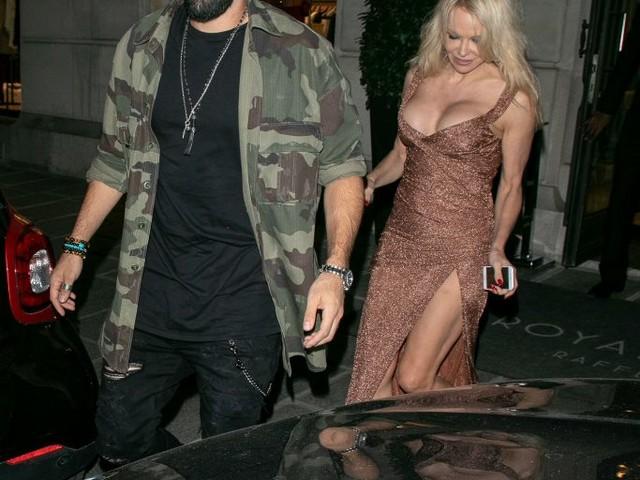 Pamela Anderson volta a namorar francês campeão mundial, diz site