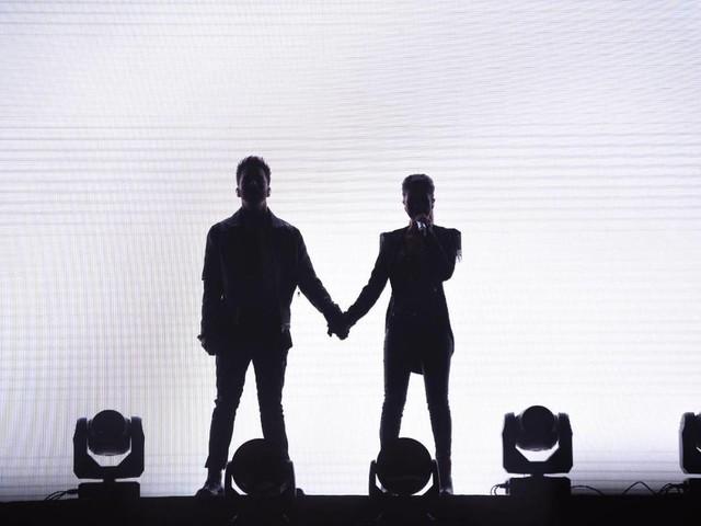 Sandy e Junior mudam letra de canção em show: 'Deixa em paz a Maria Chiquinha'
