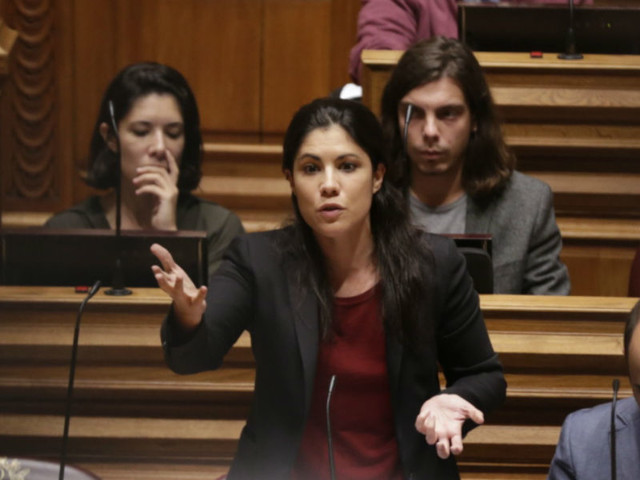"""Mariana Mortágua: """"Há um problema neste orçamento que já vinha de orçamentos anteriores"""""""