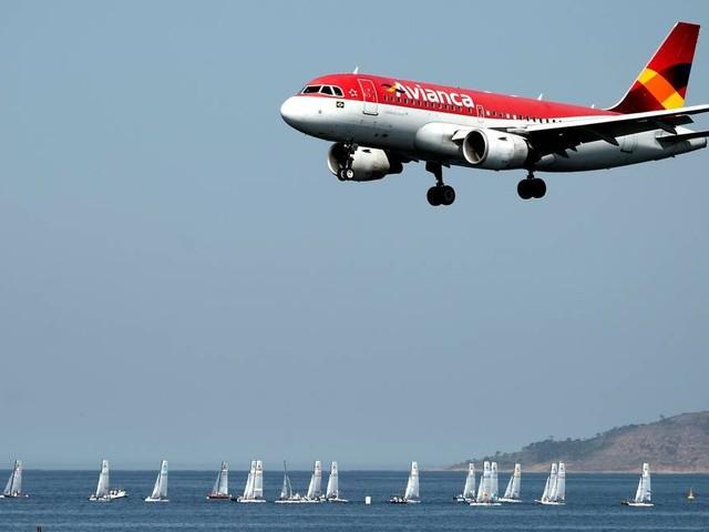 Avianca Brasil demite ao menos 200 tripulantes nesta segunda-feira