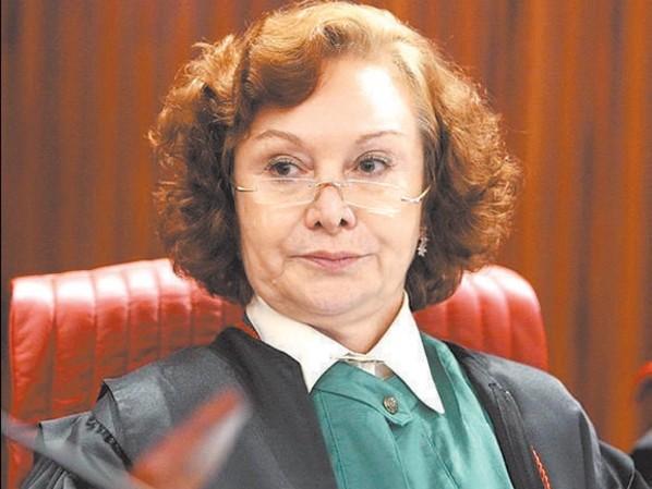 Ministra do STJ que condenou Bolsonaro é ameaçada e xingada