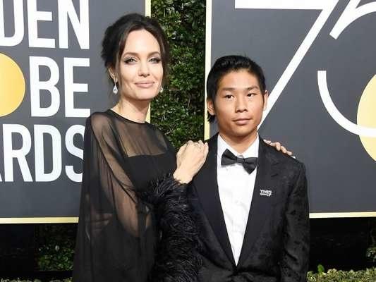Brad Pitt reprova atitude de Angelina Jolie ao levar filho para o Globo de Ouro