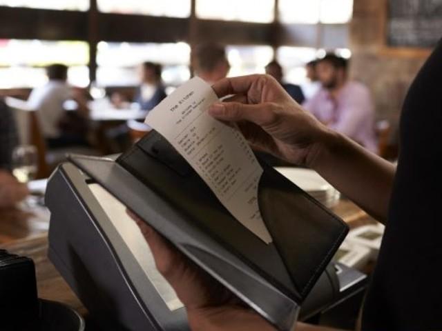 Mais de 600 mil foram demitidos de restaurantes e bares, estima associação