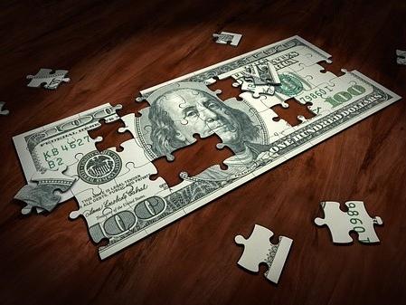 Dólar tem maior queda em 3 meses após atuação do BC